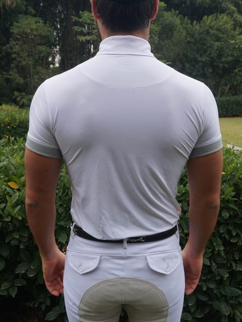 camisa de prova masc cinza costas no corpo