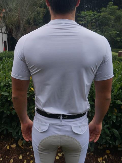 camiseta masc branca costas corpo