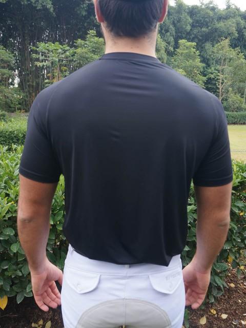 camiseta masc preta costas corpo