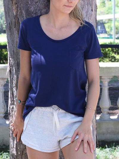 0046-020_camiseta_marinho_bolso_feminino_a