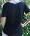 0051-010_camiseta_preta_desestruturada_feminino_b