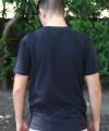 0058-010_camiseta_preta_bolso_masculino_a